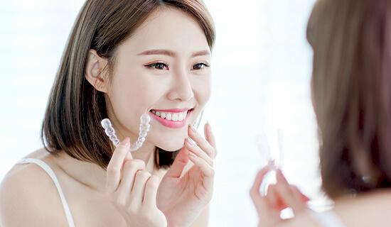 写真:美と健康のために歯科に通うという新しい価値